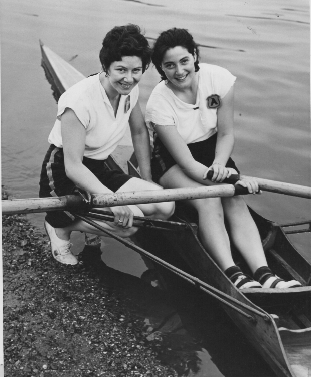 1956 Women's Sculling Championships (head)-Delphine wins PR 2nd after having stomach bug all day