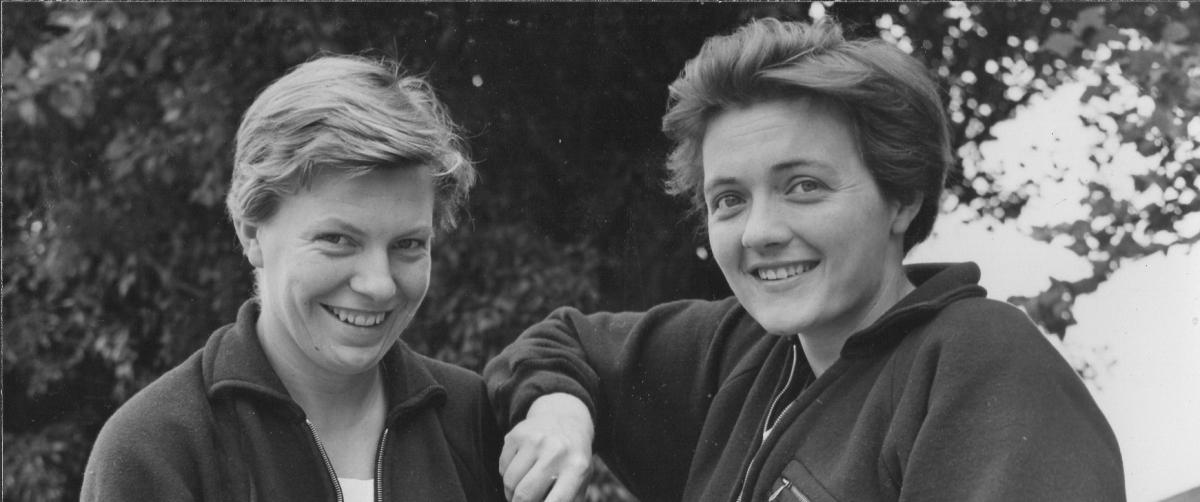 2 women smiling
