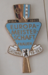 1962 competitor badge