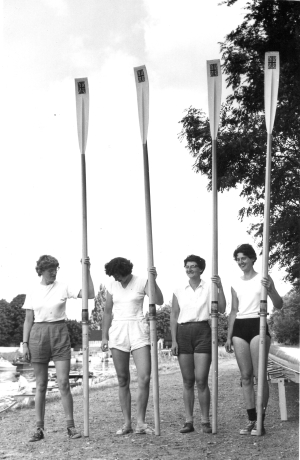 1962 - note union jack orientation - Ann-Daph-Jill-MPBR
