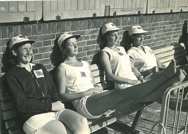1964 4+ in sun
