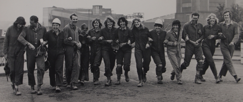 1977 rowing team visit to pit