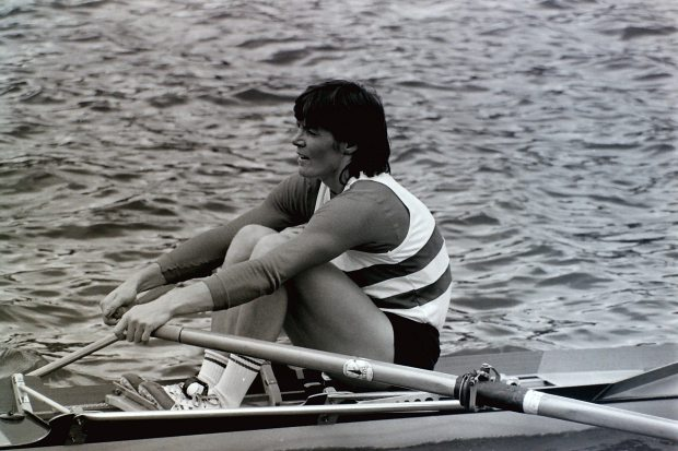 Close up of Beryl sculling