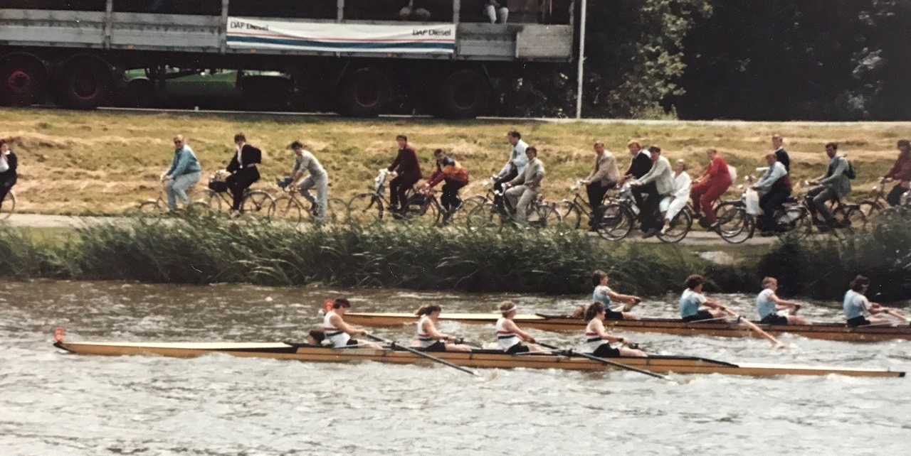 GB four beating crew in light blue vests