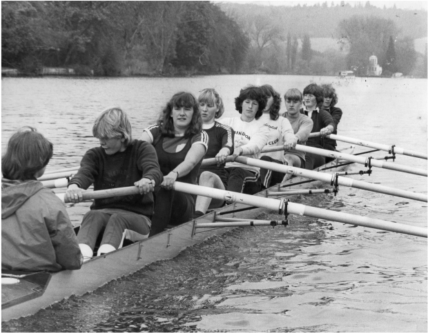 Women's eight training at Henley