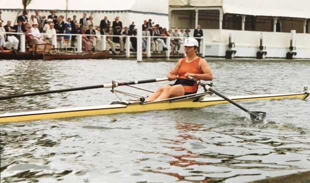Single sculler approaching the line at HRR.