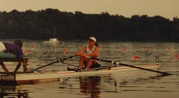 woman single sculler