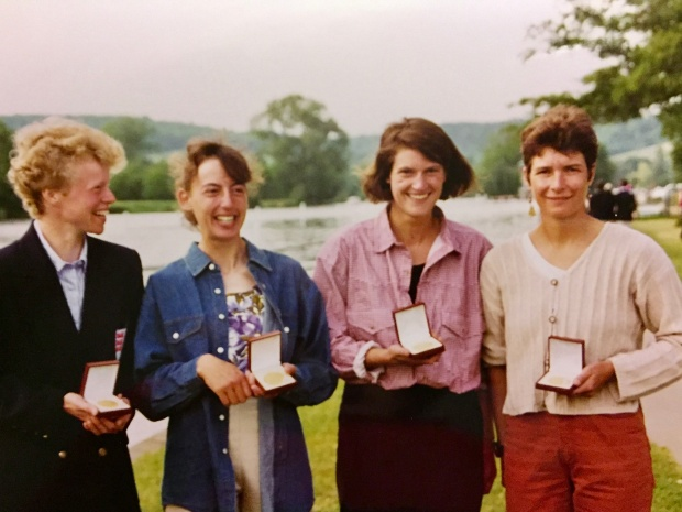 4 women with medals