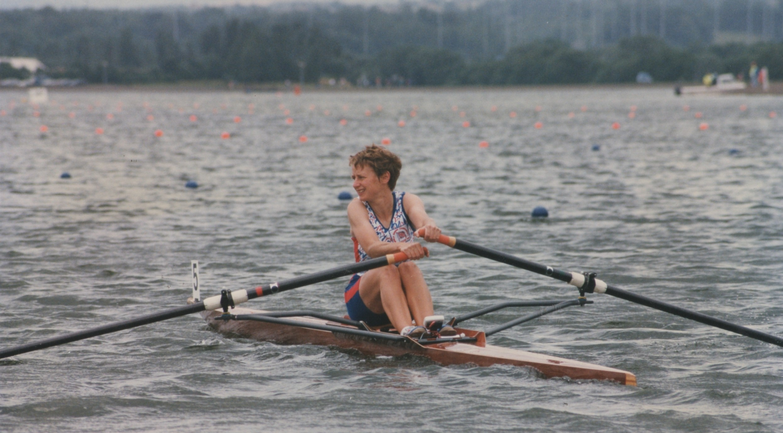 Single sculler in squiggly kit