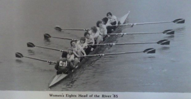 b/w photo of women's eight