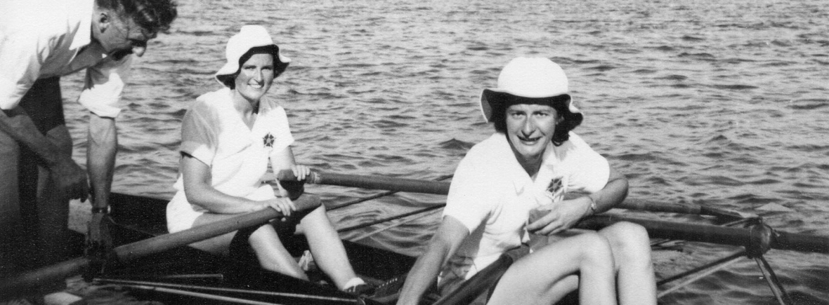 two women in double scull