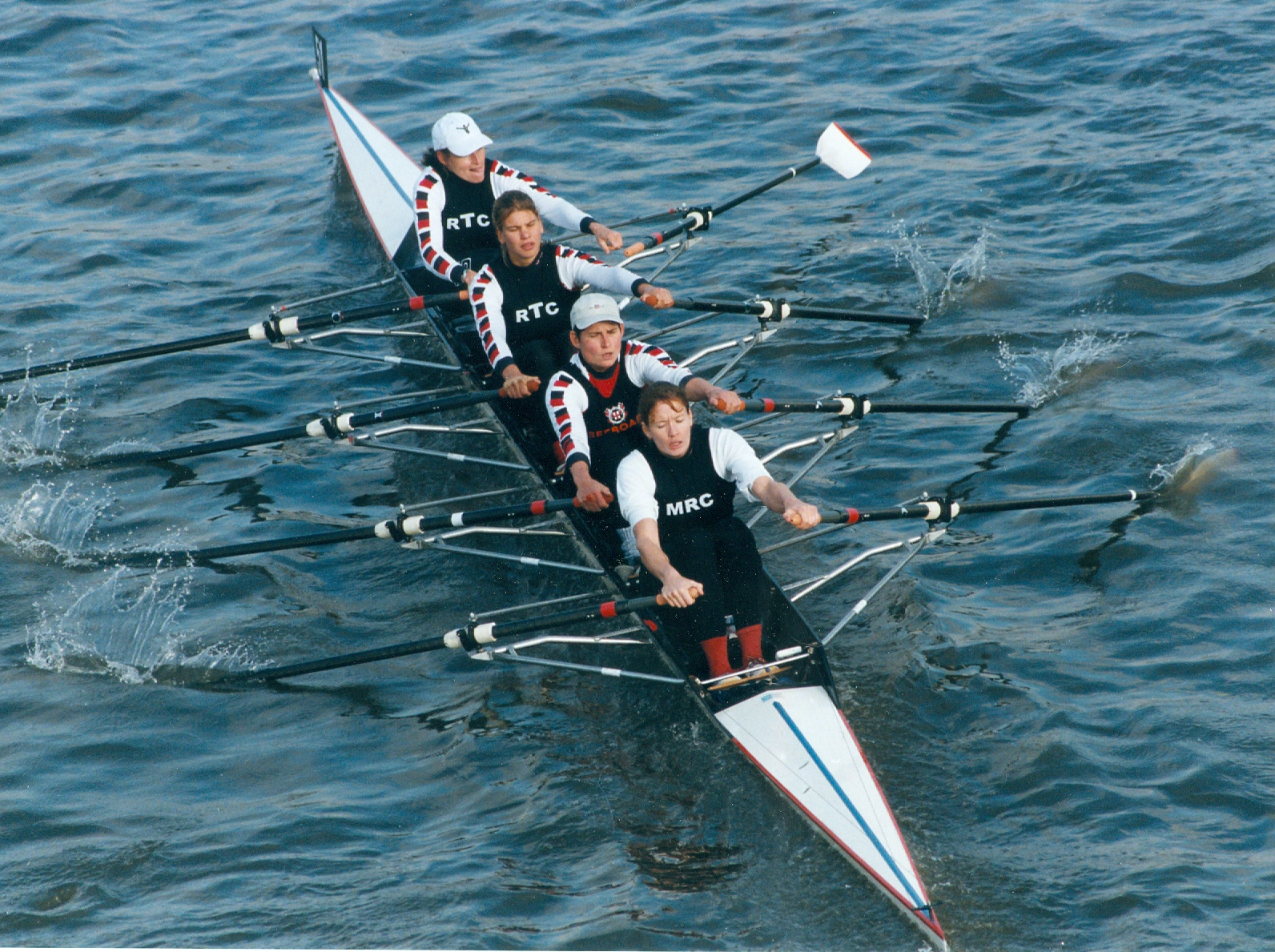 women's quad - bow not holding her bowside blade