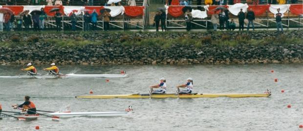 women's double sculls race - GB yellow empacher in lead